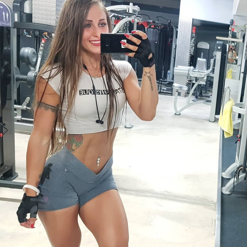 Olena Starodubets taking a selfie of her awesome body