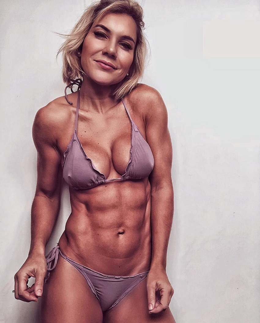 Patricia Costa S looking fit and toned in a photoantos