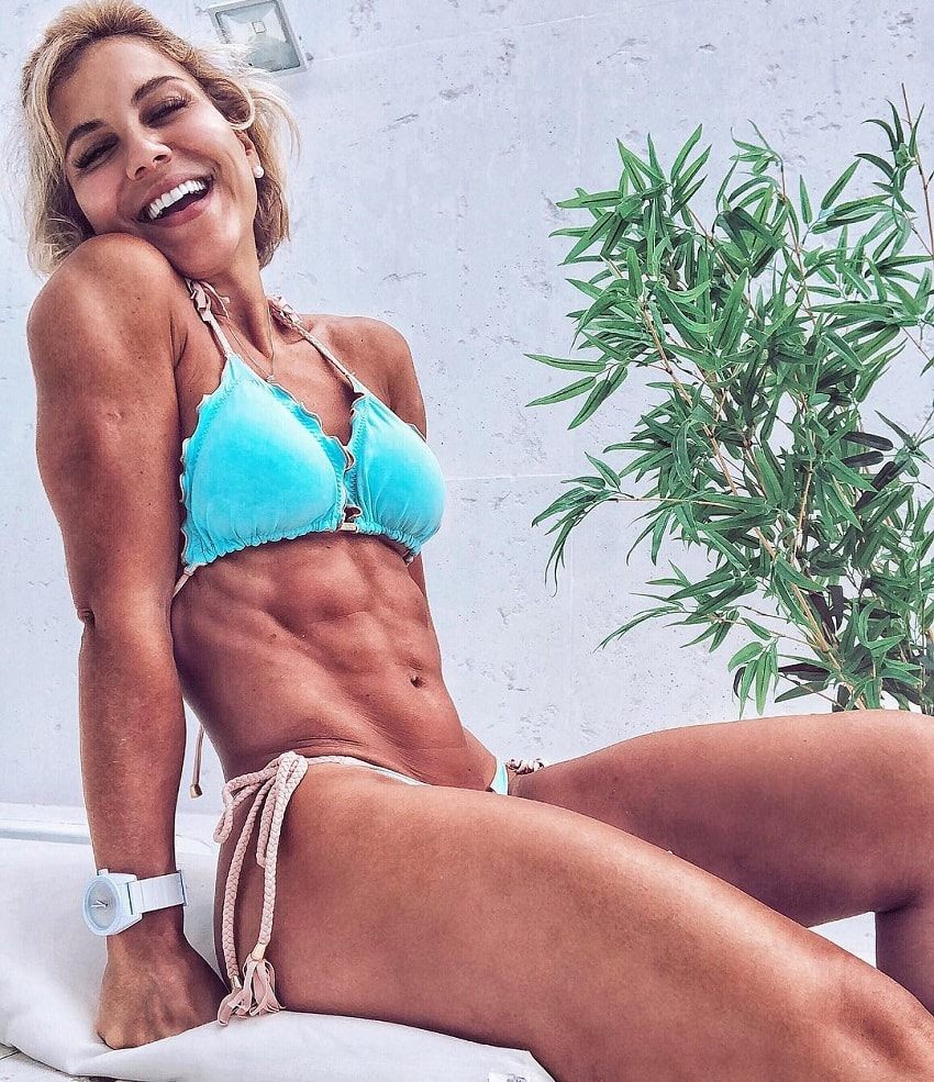Patricia Costa Santos posing in a bikini looking fit and ripped