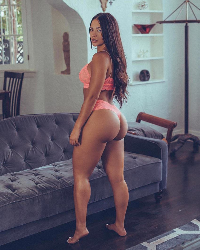 Diana K. Levy posing with her curvy legs and glutes for the camera