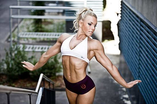Minna Pajulahti posing in a photo shoot looking lean and fit