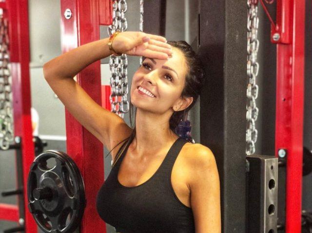 Amanda Curvelo Arones