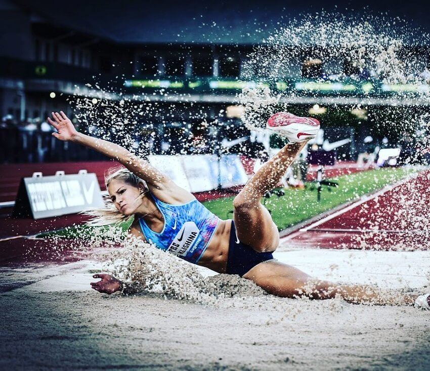 Darya Klishina falling on sand during London Olympics