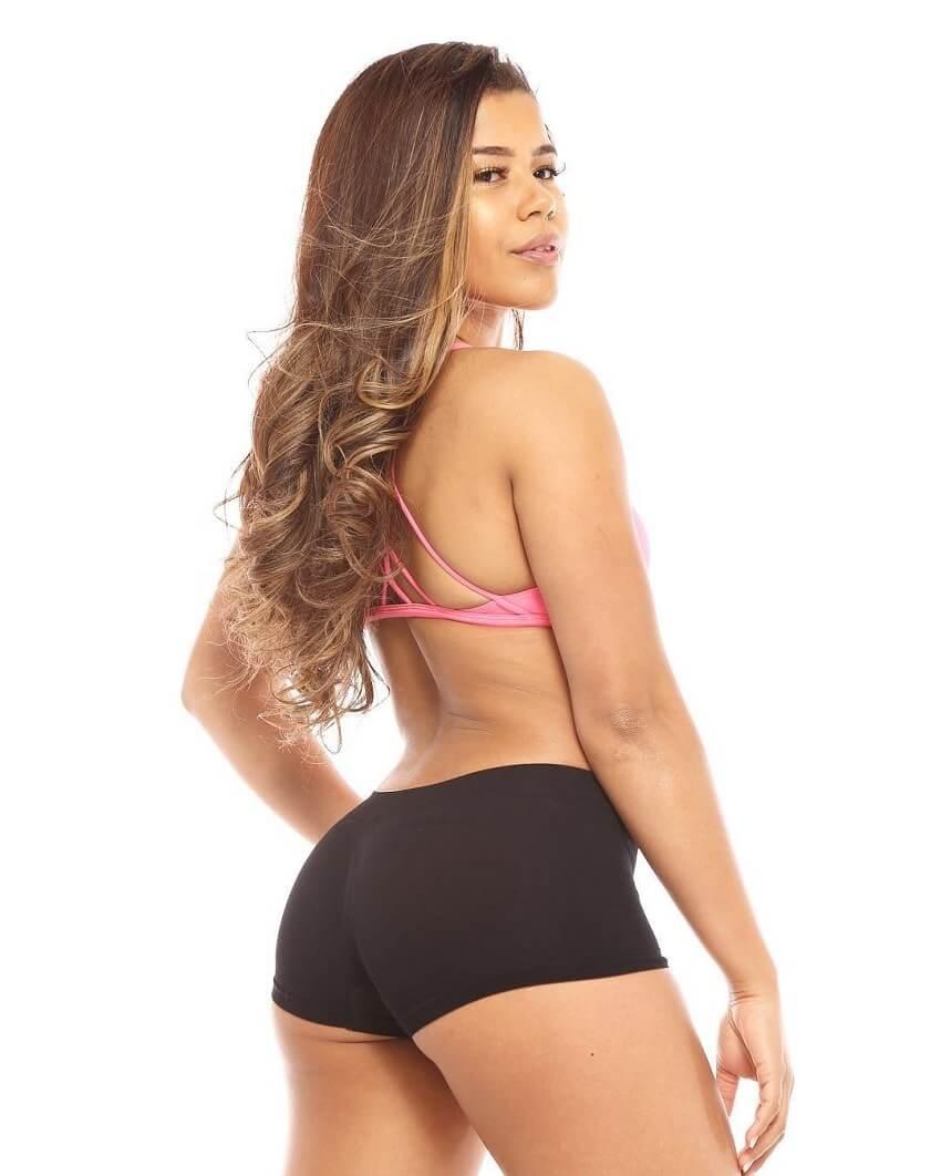Johanna Sophia posing in a professional fitness photo shoot