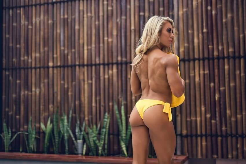 Tamara Meyer showcasing her aesethetic backside