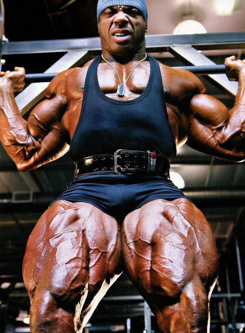 Toney Freeman showcasing his massive and vascular legs in a photo shoot