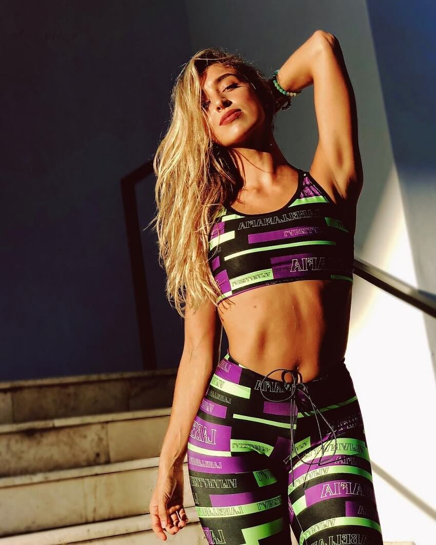 Vanesa Seco posing in her fitness clothes