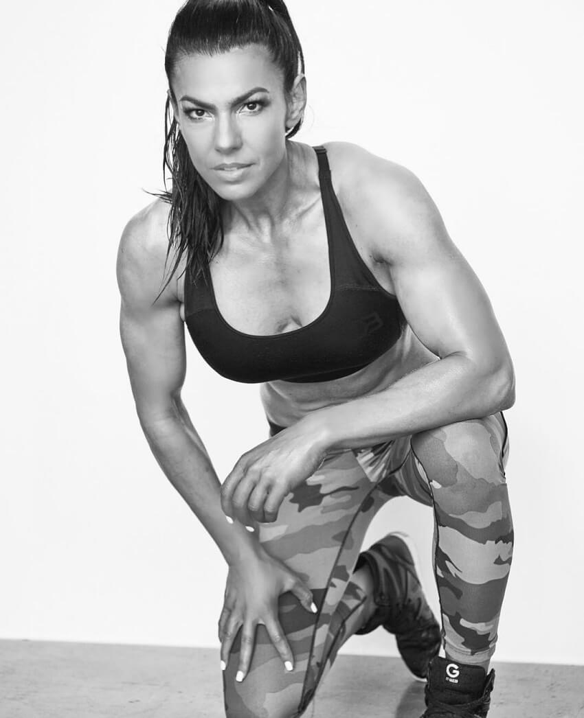 Mona Muresan during a fitness photo shoot