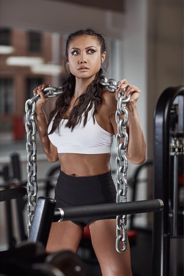 Jayne Lo posing in a professional fitness photo shoot