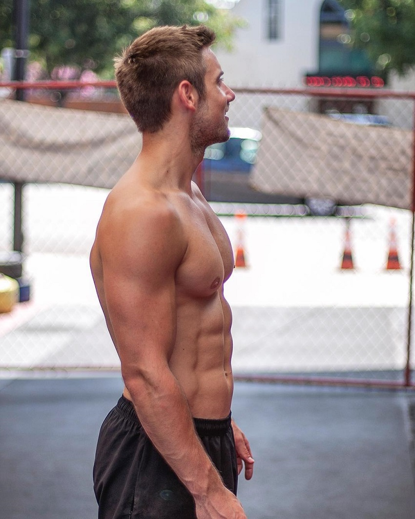 Alex Crockford sideshot of his ripped physique