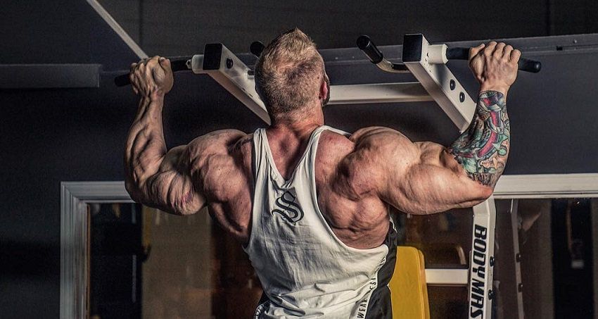 Iain Valliere training his back