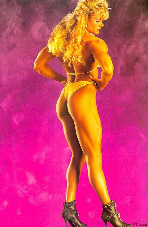 Sandy Riddell showing off her incredible physique from the back