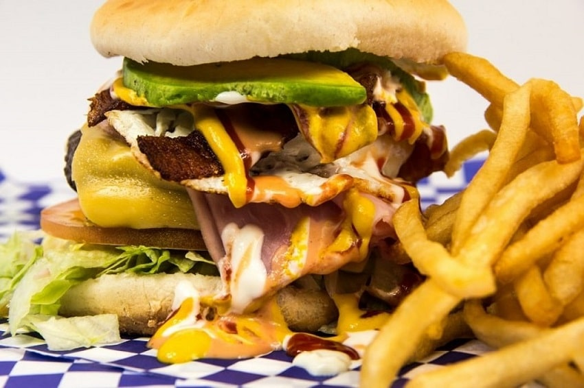 Hamburger-junk-food - why you're not losing weight