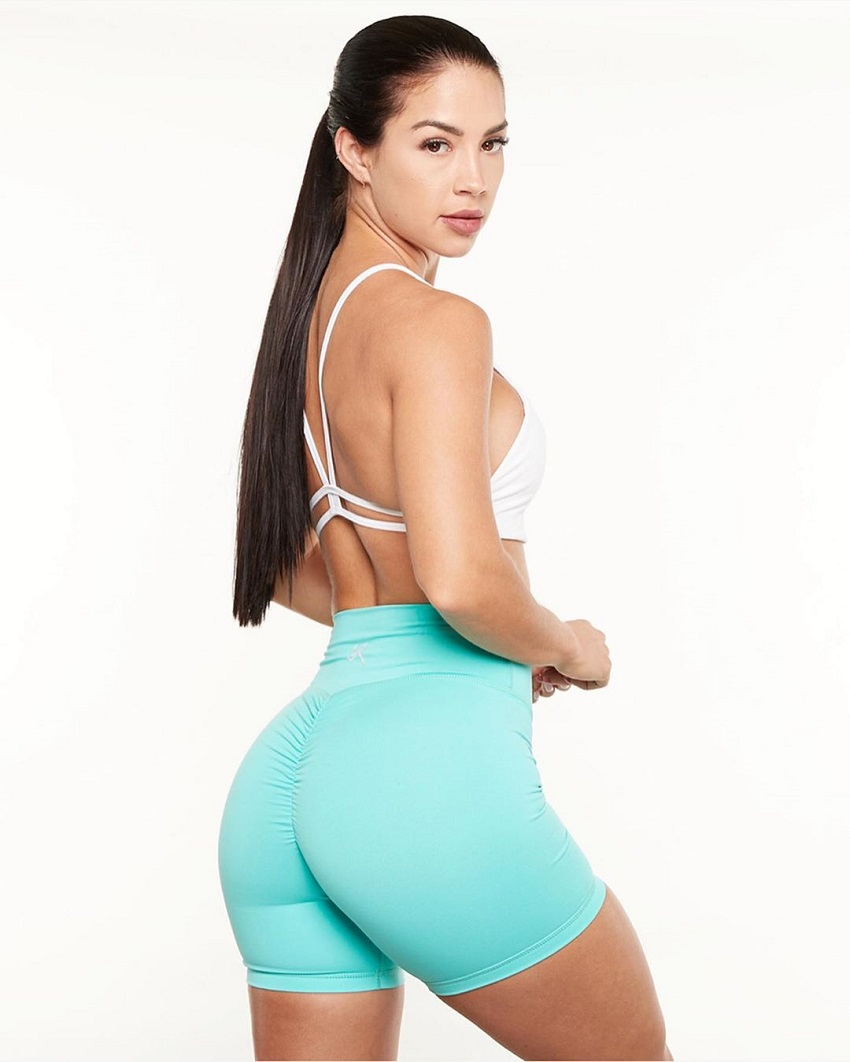 Rachel Dillon showing off her glutes in a fitness photo shoot