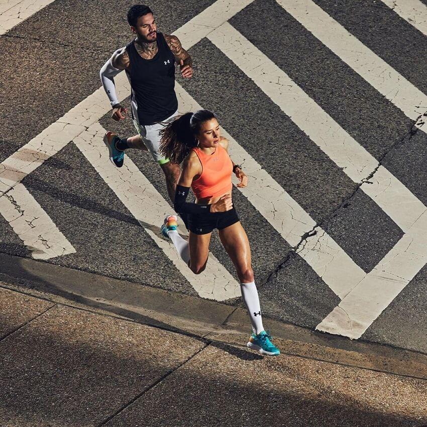 Imke Salander running in a marathon.